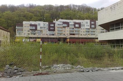 Zmizne z centra Trenčína nepekná jama?