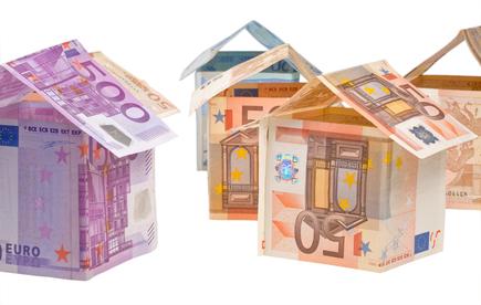 Slovensko má drahé hypotéky