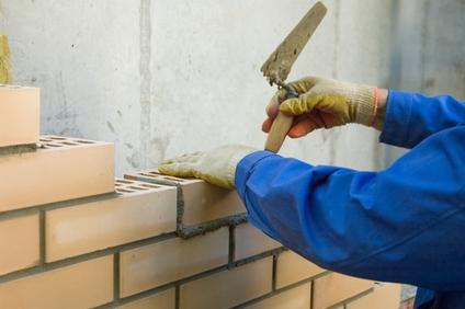 Stavebná produkcia rastie, mzdy v stavebníctve stagnujú
